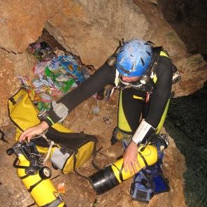 """Menawarkan petualangan """"cave diving"""" yang tidak ada bandingannya"""