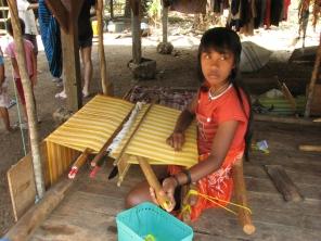 Kerajinan tenan khas Pulau Muna